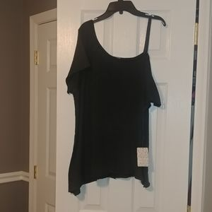 NWT Free people cold shoulder top/tunic.